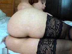 amateur-cd-in-pink-stockings-solo
