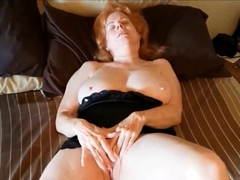 busty-grandma-linda-rubs-her-wet-slit