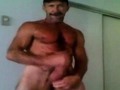 Str8 fit daddy with a big fat cock