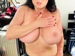passion chat huge boobs brunette masturbating for cam