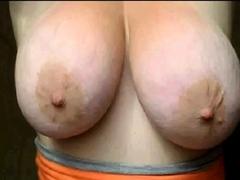 Les gros seins de la caissiere de Lidl