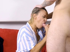 shame4k-blonde-mature-is-turned-on-when-she-sees-her-naked