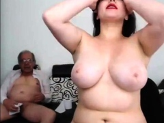 a-young-woman-masturbate-an-old-man-and-he-finished